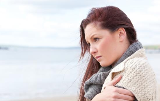 유독 피곤하고 추위 탄다면, 갑상선기능저하증 증상 10