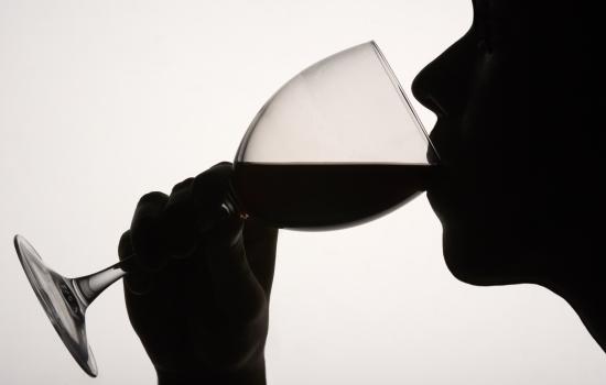 연말 술자리와 간 질환의 상관관계