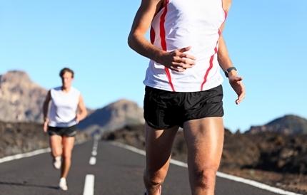 달리기 하는 남성