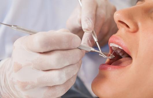 치과 치료 전 '매일 먹는 약' 알려야 하는 이유