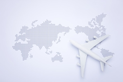 세계지도와 비행기