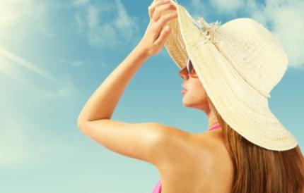 자외선지수 높은 여름! 모자써도 '자외선차단제' 필수?