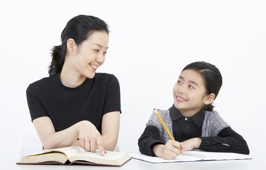 어린 자녀를 둔 중년층 학부모들에게 주름성형 인기