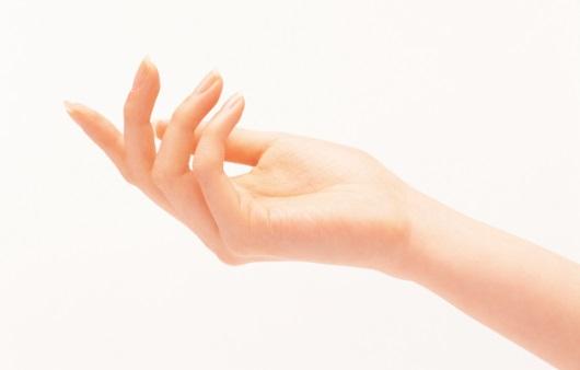 건조한 손, 매끈하고 부드러운 손으로 가꾸려면?