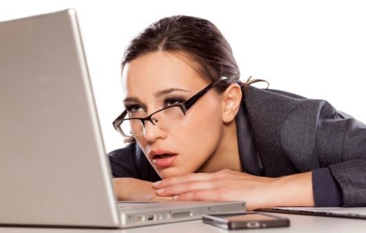 유독 눈이 피로하고 건조하다면? 건강하게 눈 관리하는 20-20-20 비법은?