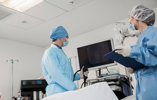 위암 진단 검사, 위내시경검사와 상부위장조영술 차이점