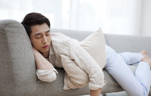 [1분 Q&A] 계속 피곤하고 잠만 자는 이유는?