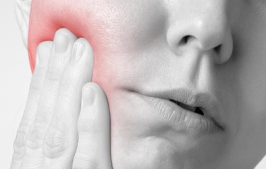 [1분 Q&A] 턱 외상 후 흉터, 어떻게 관리해야 할까요?