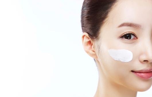 피부 타입별 도움되는 vs 피해야 할 화장품 성분
