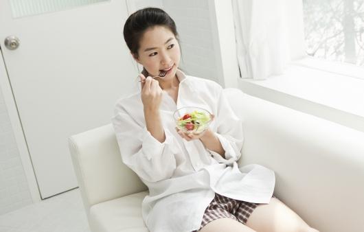 생리 전 힘들다! 월경전증후군 증상 완화법 8가지
