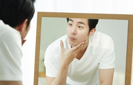 남성도 예외일 수 없는 미세먼지 속 피부 관리법