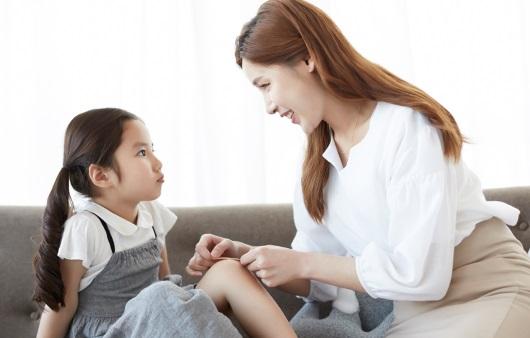 [1분 Q&A] 엄마와 떨어지지 않으려는 분리불안 해소법은?