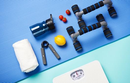 체중계와 운동 도구