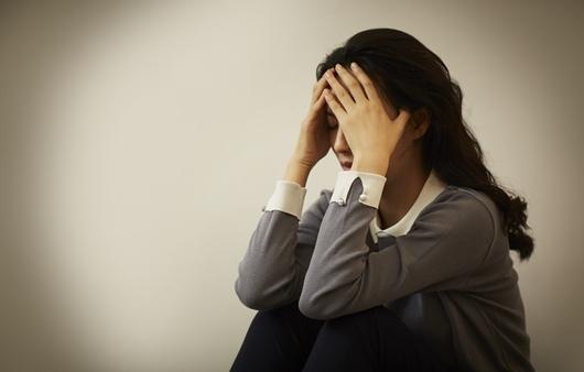 우울한 기분의 여성