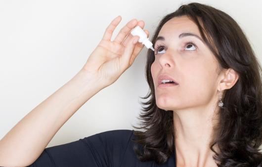 겨울마다 빡빡한 눈 '안구건조증', 그냥 둬도 될까?