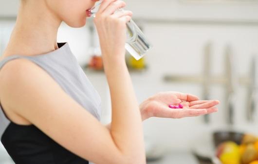 약은 물과 함께 섭취 권장