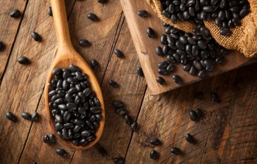 몸에 좋다는 검은콩, 서리태와 서목태 차이는?
