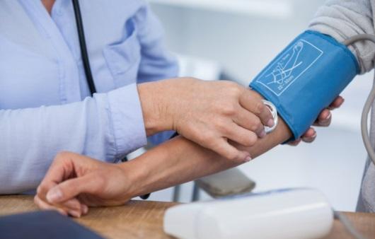 생명 위협하는 고혈압, 위험한 이유는? 어떻게 관리할까?