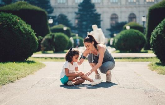 다리 통증을 호소하는 아이