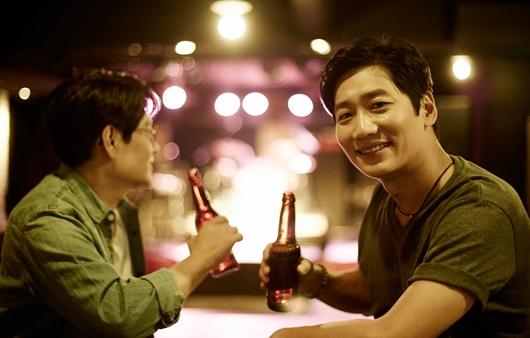 금주보다는 적정 음주가 '치매 예방'에 유리하다?