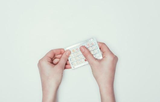 생리 미루기 등 목적에 맞는 피임약 복용법과 피임약 성분
