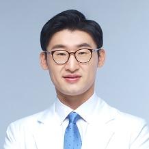 김윤석 사진