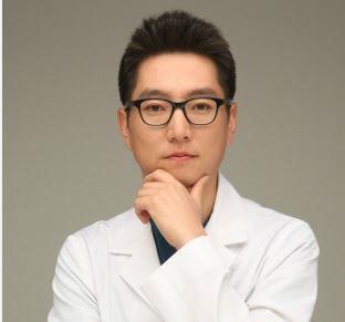 김재홍 사진