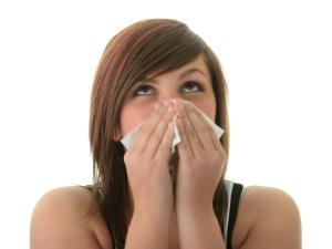 수시로 흐르는 콧물이 감기 때문? 사실은 알레르기 비염