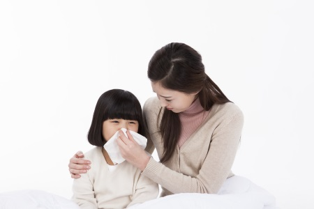 아이 감기에 항생제 먹어야 할까? 말아야 할까?